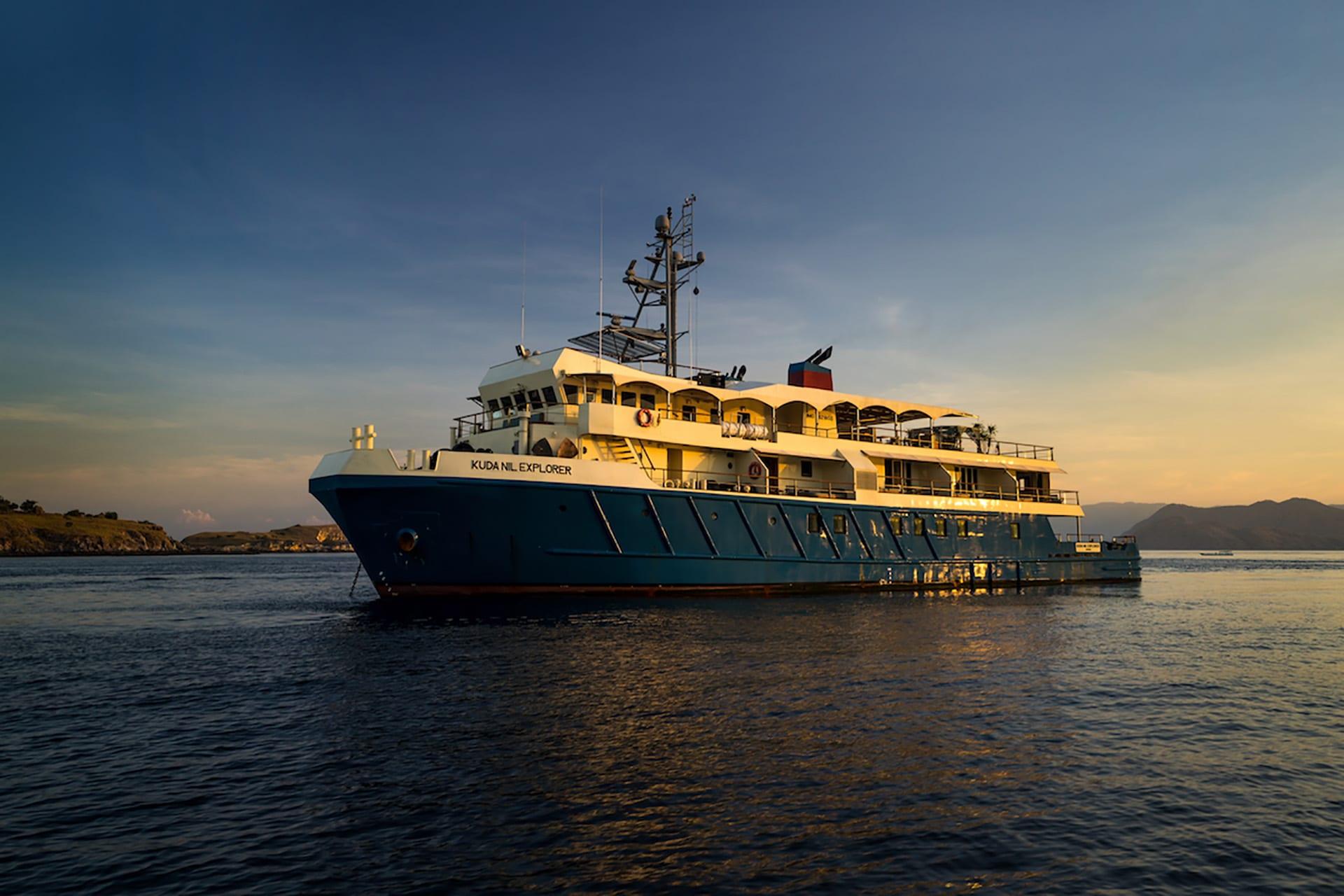 Kudanil Explorer - Yacht Charter Indonesia
