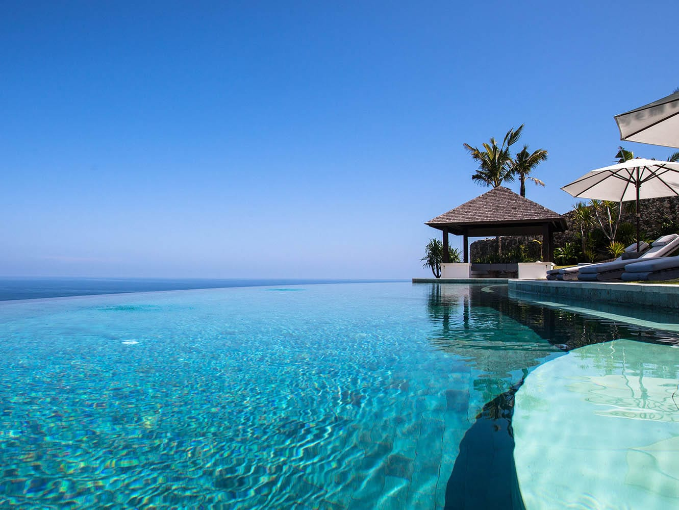 Beachfrontvillasbali Com: Luxury Bali Villas, Retreats And Indonesian Yacht Charters