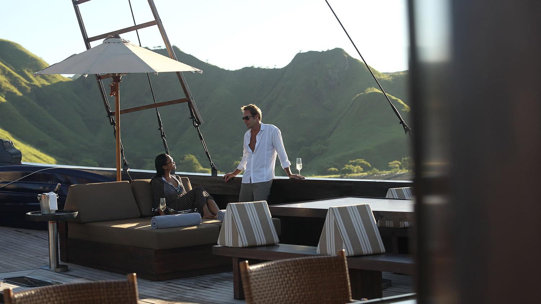 Alila Purnama - Romantic Yacht Indonesia