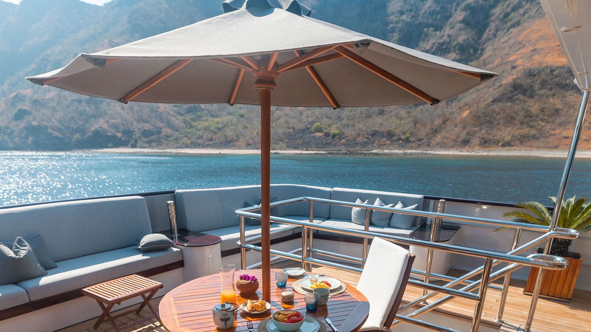 Aqua Blu - Most Luxurious Yachts in Indonesia
