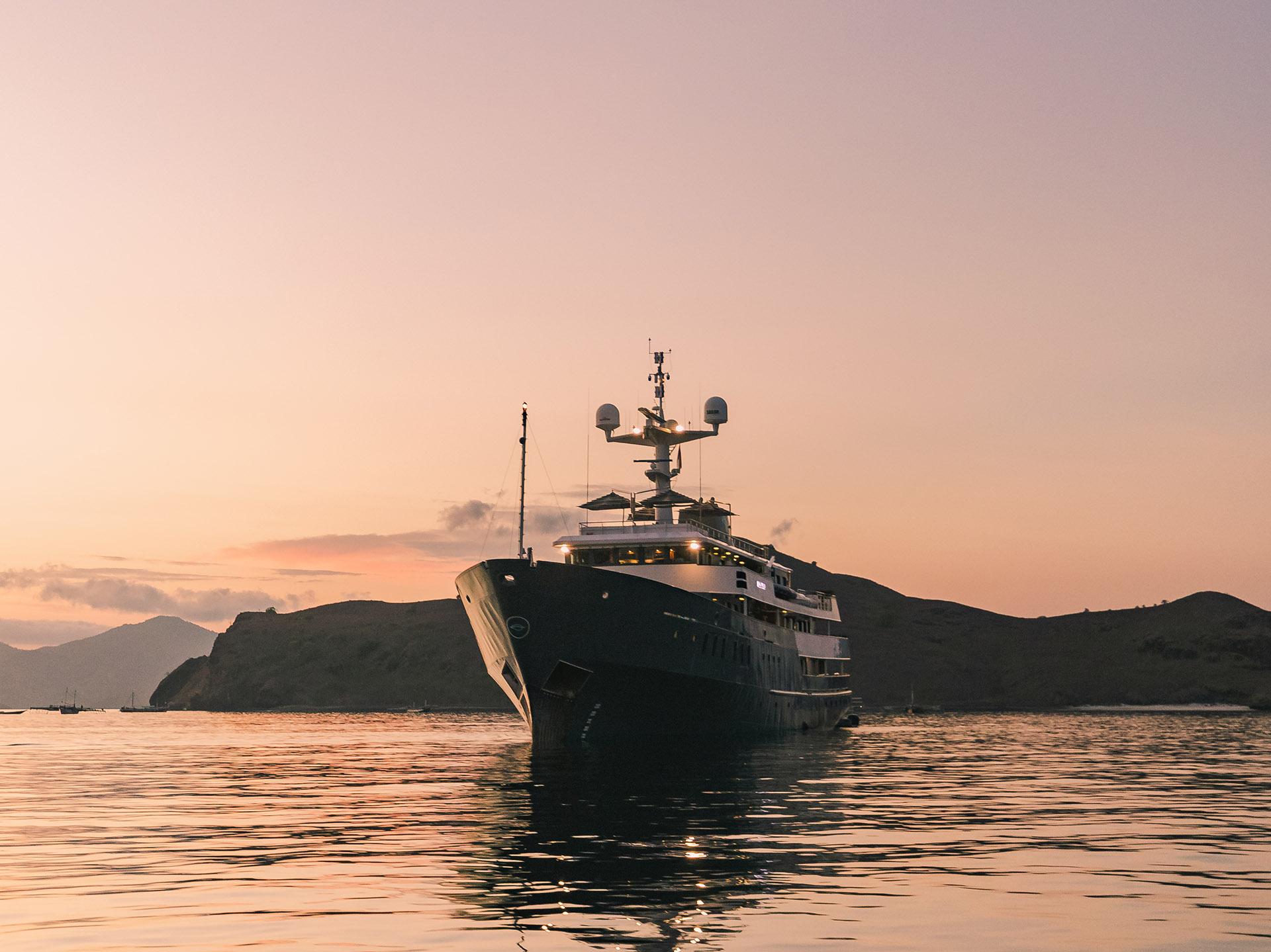 Aqua Blu Yacht - Luxury Charter Yacht Indonesia